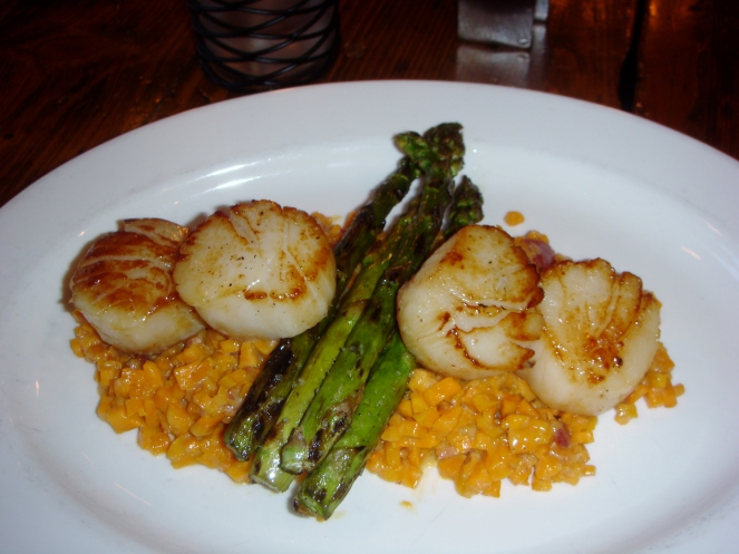 flatiron scallops with sweet potato risotto